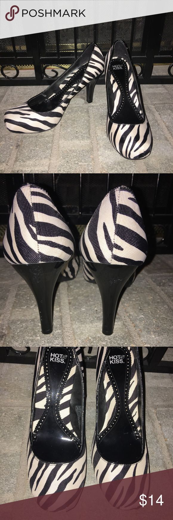 👠 CUTE!!! Zebra stripe heels!! Hot Kiss brand zebra heels!  Off white and black zebra stripes.  Super cute!! Worn only a few times.   Really good condition. Hot Kiss Shoes Heels