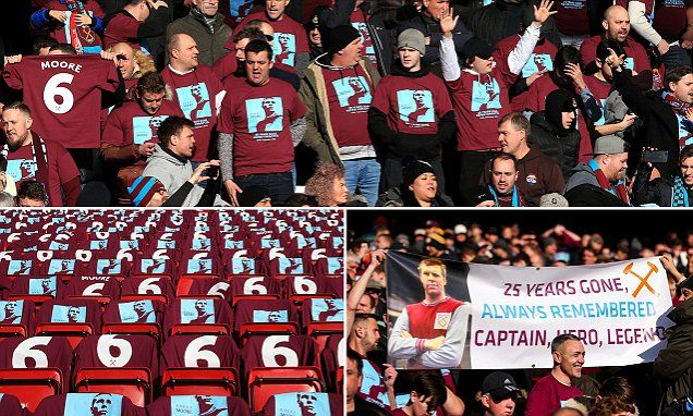 West Ham fans pay tribute to Bobby Moore at Anfield