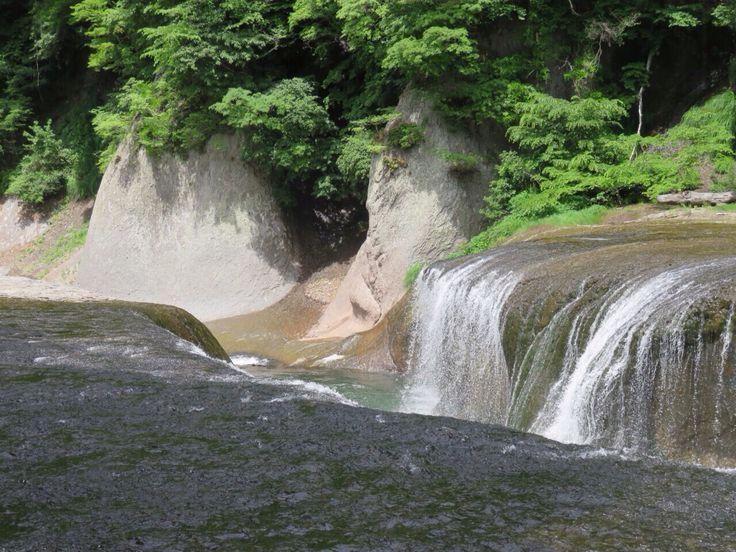 吹割の滝  群馬県沼田市 Fukiware falls in Numata City, Gunma Pref., Japan.