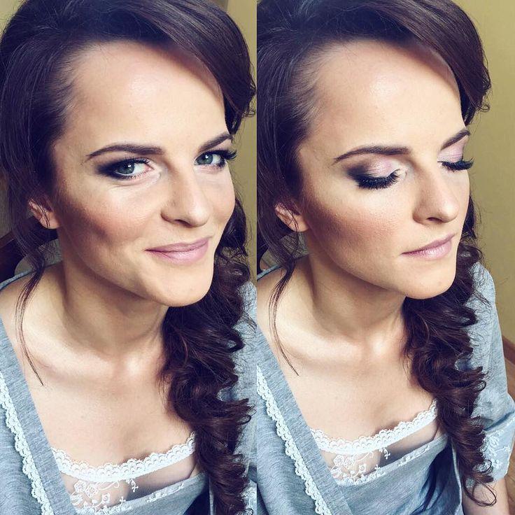 Dzisiaj się działo �� Bardzo miły poranek spędziłam malując m.in. Ewę na jej ślub☀️���� Z tak pozytywnym nastawieniem i wsparciem napewno wszystko się uda❗️ Piękna Panna Młoda������ ______________ #bride #makeup #lashes #beauty #contouring #strobing #dior #benefit #tomford #pictureoftheday #nofilter #smile #justmarried #bikor #ysl http://gelinshop.com/ipost/1523963704520157969/?code=BUmNOo6gysR