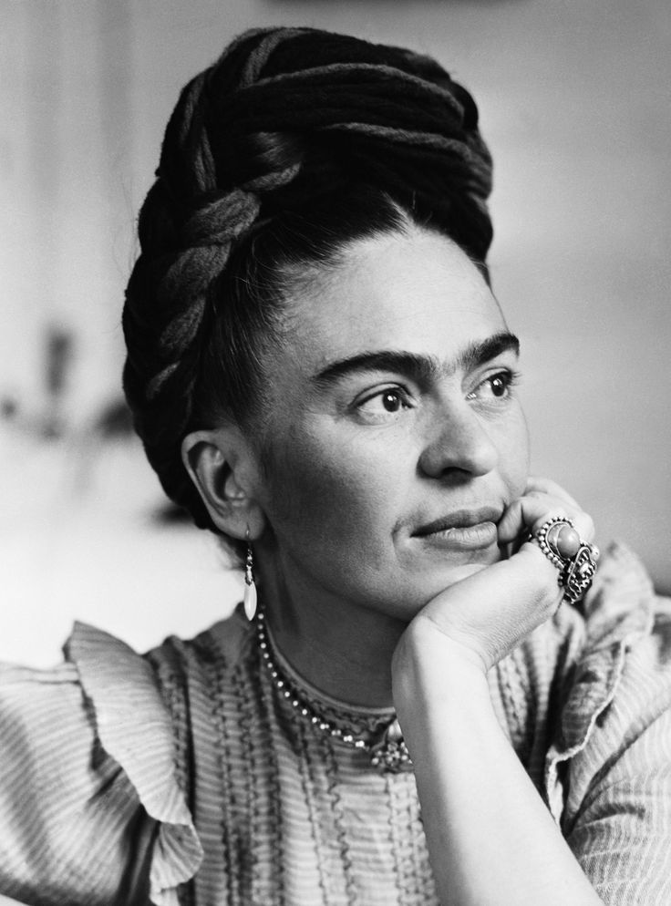 Frida Kahlo's go-to brow pencil has finally been revealed #FridaKahlo #browpencil #eyebrow #beauty #makeup