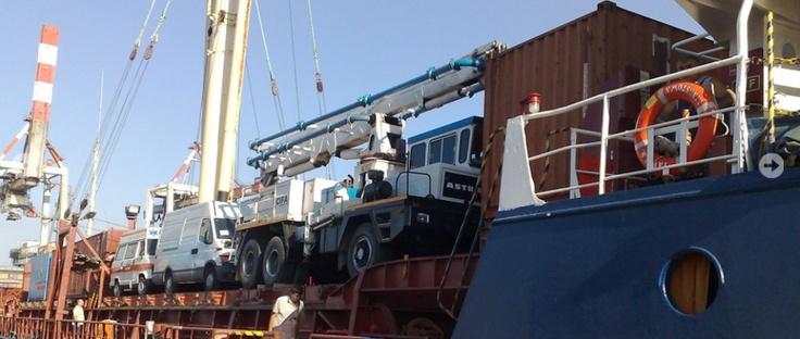INTEREXIMP srl, svolge all'interno del porto, attività di agenzia marittima, servizi doganali e spedizioni su capoverde