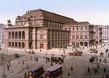 Wiener Staatsoper - alla fine del 1861 vennero accolti i piani di costruzione, in stile neorinascimentale, degli architetti August Sicard von Sicardsburg e Eduard van der Nüll, residenti in loco nel 6º Distretto (Bezirk). Wikipedia