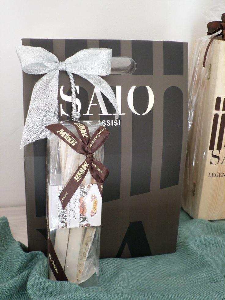 SAIO Assisi wine box and handmade Torrone