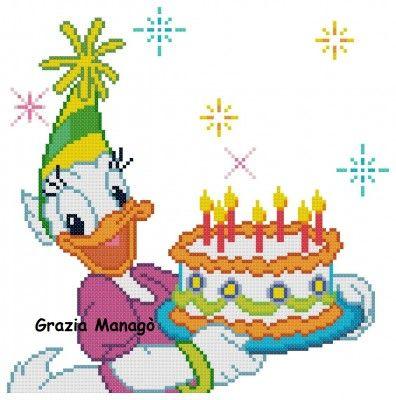 Paperina con torta di compleanno.jpg