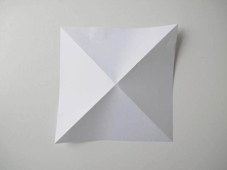 PAPER DIAMONDS   DESIGN AND FORM