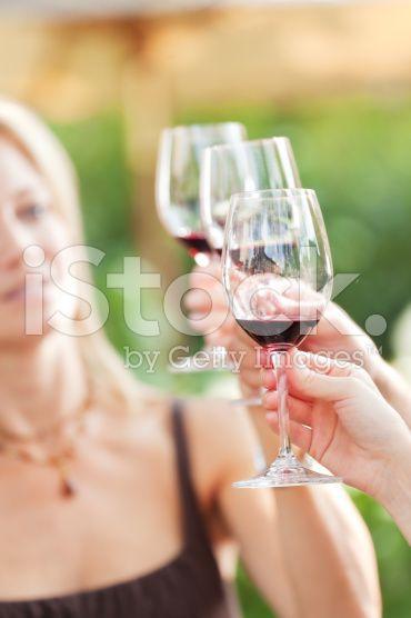 Gros plan de verres à vin et tire de dégustation de vins – banque photo libre de droits