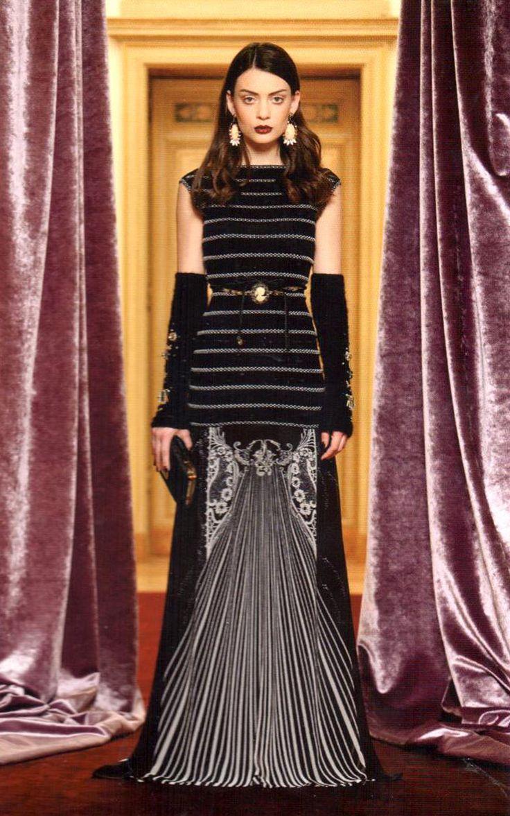 #RobertoCavalli #Cavalli #ClassbyRobertoCavalli #Prefall #gothic #floorlength #striped