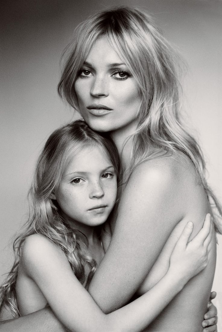 Kate Moss with her daughter, Lila Grace. Mario Testino for Vogue US September 2011.