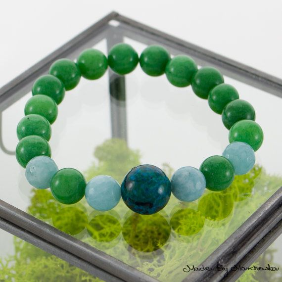 FREE SHIPPING Stretch Bracelet made with green by MadeByMarchewka
