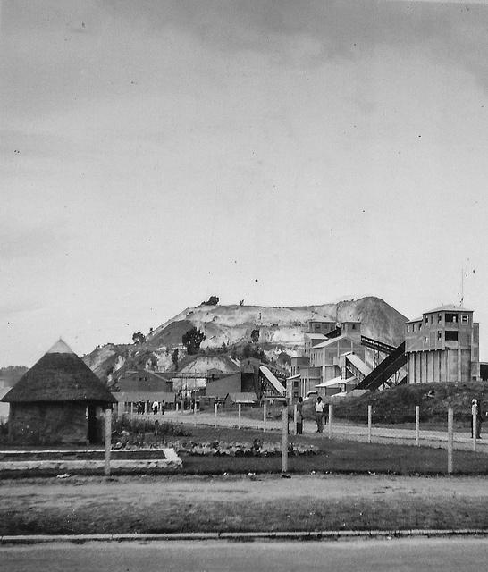 Joburg minedumps - South African photographs from 1954 by Axel Bührmann, via Flickr