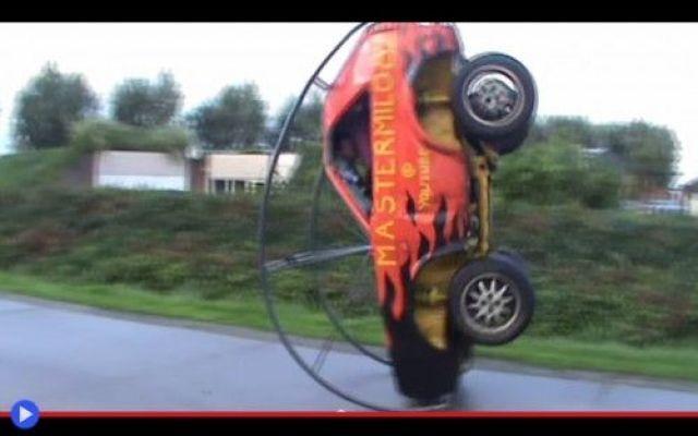 I balzi delle automobili acrobatiche d'Olanda #invenzioni #olanda #automobili #guida