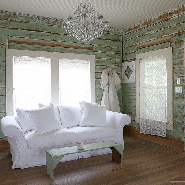 Distressed Farmhouse Living Room: Instagram Post By Rachel Ashwell (@rachelashwell)