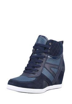 Кроссовки на танкетке женские 28055420 28055421 kari по цене 2 599 р в магазине обуви и аксессуаров kari.