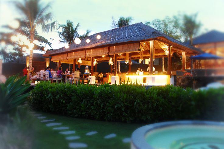 Anapuri Villas beach bar