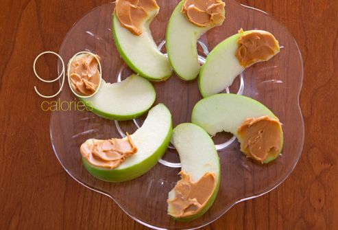 25 snacks that are a 100 calories or less...I want them all!
