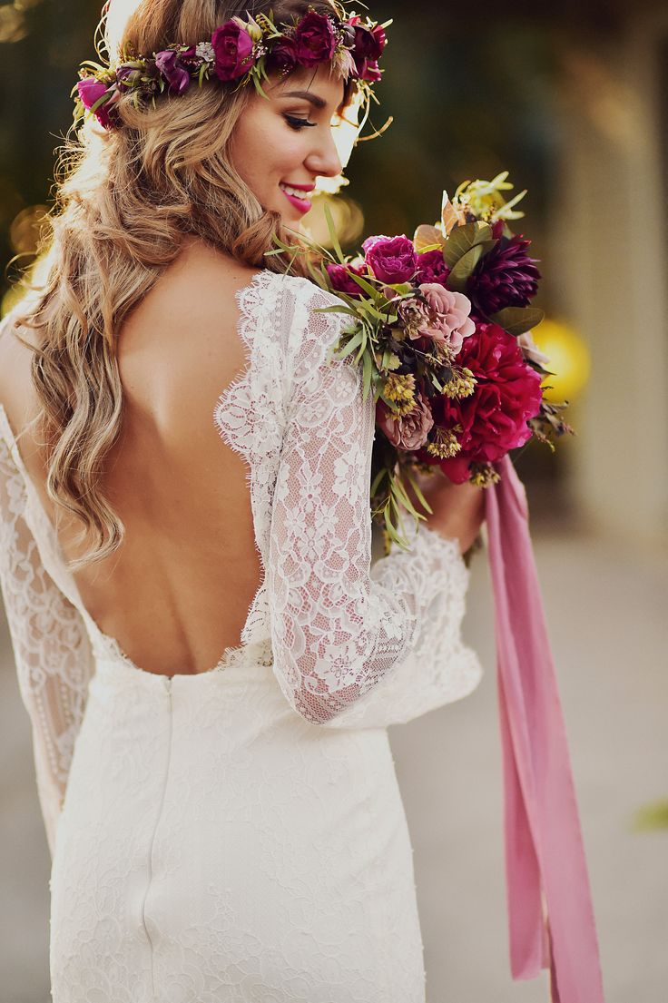 Beautiful boho bride - don't miss her Maui wedding