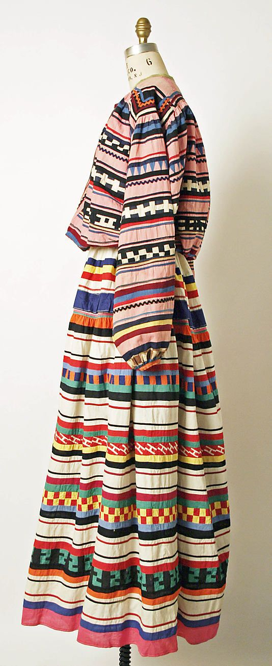 Seminole ensemble in cotton, made sometime between 1800-1945 (via mociun via metropolitan museum of art)