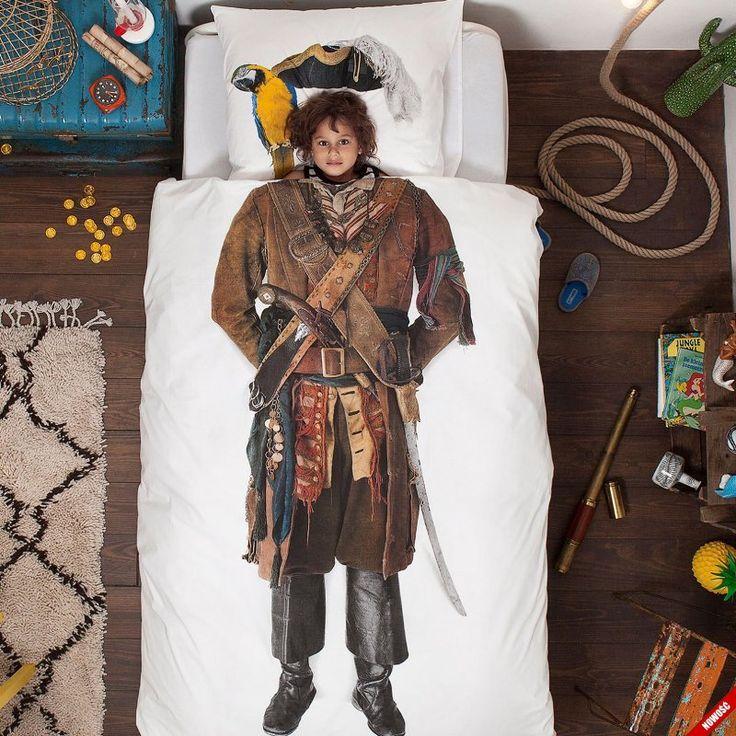 Pościel Pirat z papugą na ramieniu oraz szablą przy boku - NieMaJakwDomu