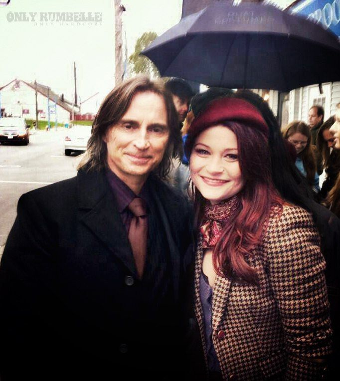 Robert Carlyle and Emilie de Ravin Great actors and very nice people!!!!!!!