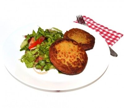 Chiftele de naut - Chiftele vegetariene cu naut si ceapa verde, rapid de preparat si cu putine calorii. Le poti servi cu piure de cartofi si salata sau in loc de hamburger in sandvis.