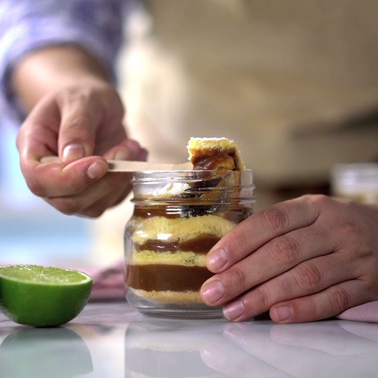 Spongey cake meet dulce de leche deliciousness. This personal dessert in a jar is layer upon layer of yum!