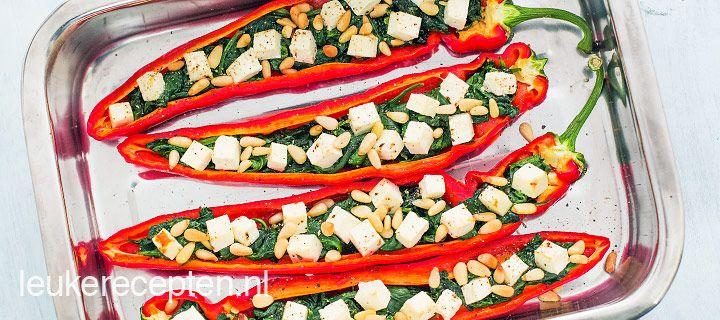Puntpaprika met spinazie en witte kaas