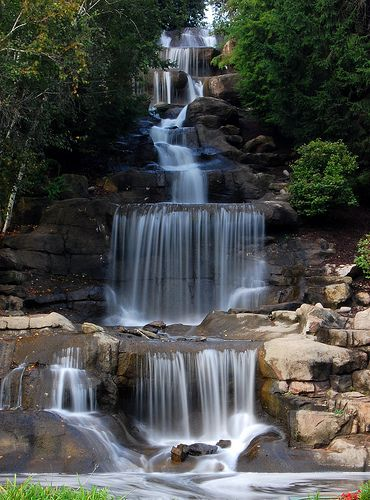 Cascading Waterfall Robinson, Pennsylvania, USA | Awesome place to visit