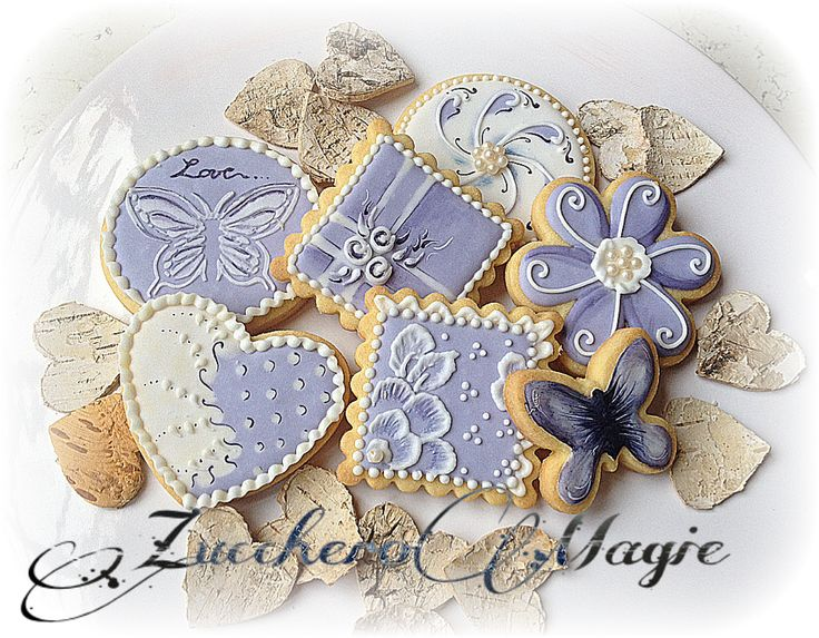 White&violet cookies