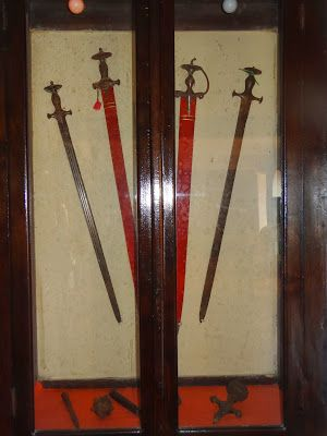 Swords from Katoch Foundry. travelngossip.blogspot.in/2013/10/rare-and-ancient-photos-interesting.html