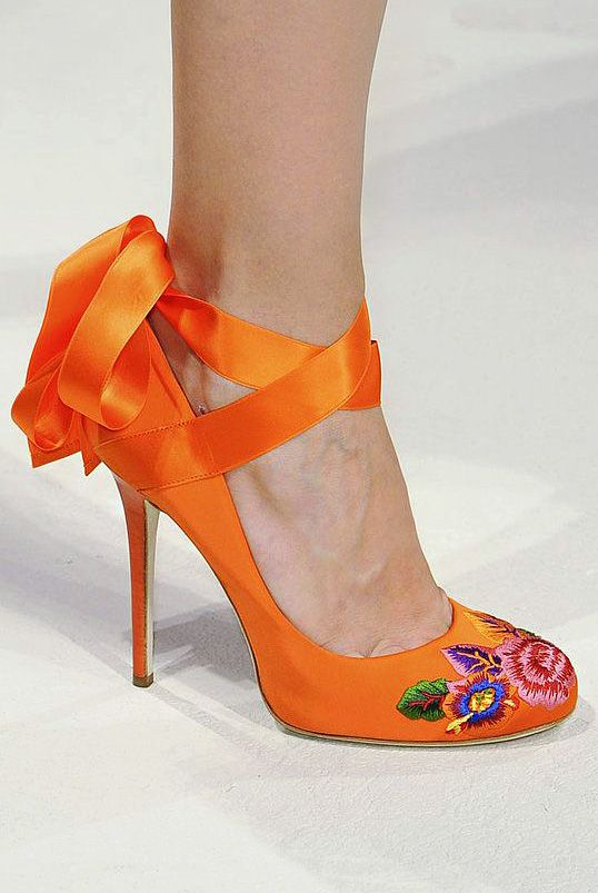 I wish i could walk in heels because these shoes are awesome!  Alberta Ferretti Spring 2014