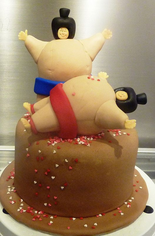 Sumo based on debbie browns design little miss oc 39 s for Anpanman cake decoration