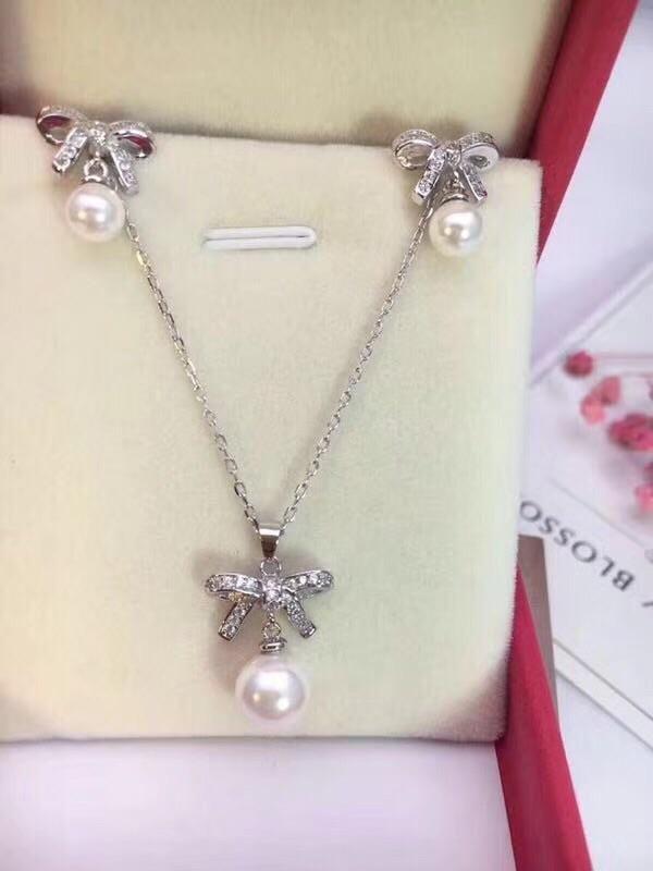 c3142decc Pandora bow tie necklace | Necklace | Pandora bracelets, Pearl bracelet,  Jewelry