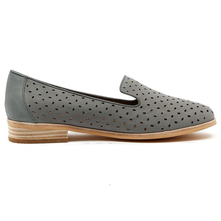 QUITEY by MOLLINI. Cute and wearable everyday Albert flats. A close sister to our classic Queff flats, pair these with black cropped trousers. Tres chic! Available in black and steel. Heel height is 2cm. Leather upper, leather lining. http://www.cinori.com.au/mollini/quitey/w1/i1203039_1001989/