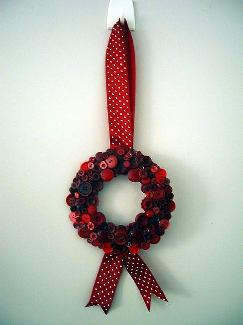 red button wreath