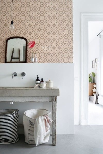 chalk printed non woven wallpaper check peach pink en shiny copper