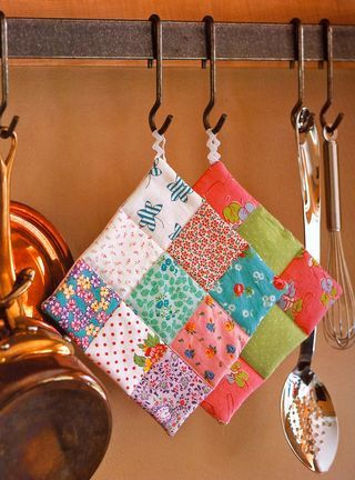 How to make a 9 patch pot holder - Cute! either UK or UofL material!
