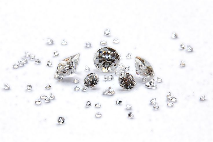 We buy loose diamonds. At Sell Your Gold we buy diamonds of all shapes and sizes. Sell your diamonds today - we don't need a certificate!  #diamonds #diamondjewelry #diamondring #weddingring #engagementring #diamondbuyers
