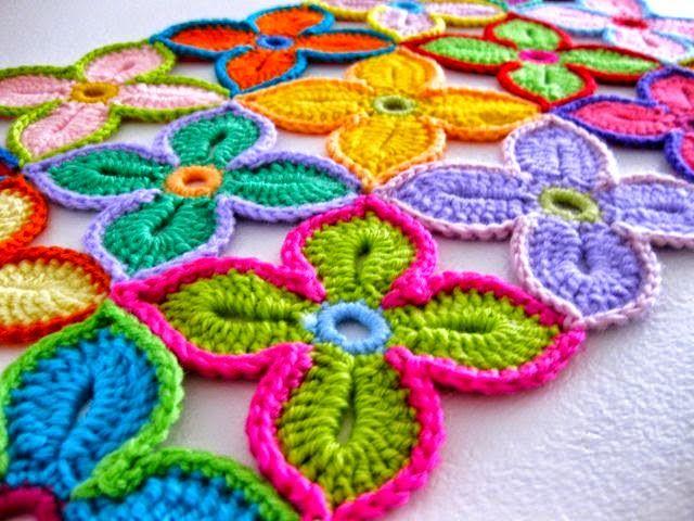 Todo crochet: Camino de mesa multicolor con flores - paso a paso...