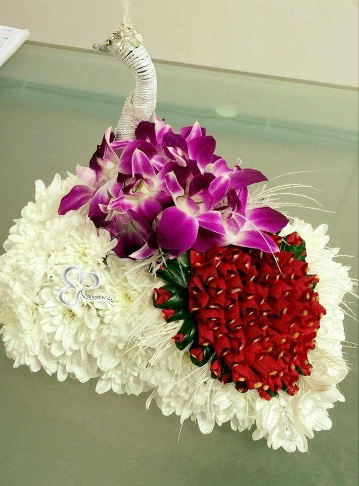 Composizioni floreali artistiche e fantasiose