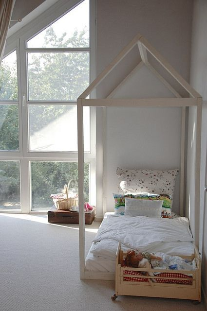 ber ideen zu hausbett auf pinterest hausbett. Black Bedroom Furniture Sets. Home Design Ideas