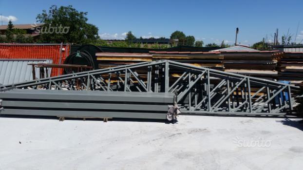 capannone-prefabbricato-completo-di-tetto-mq-220