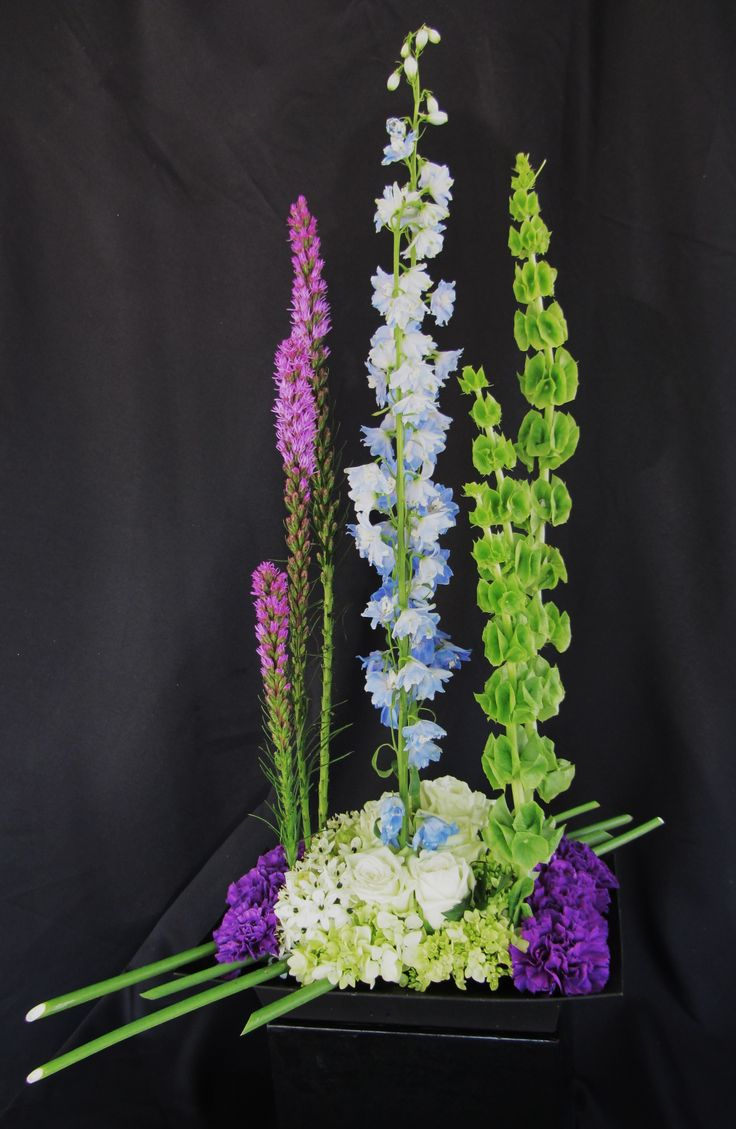 Floral design by Sharon Ivey, AIFD