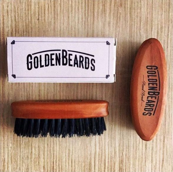 A travel sized beard brush that perfectly fits in your bag!! #beard #beardcare #beardstyle #goldenbeards #beardbrush #beardlife #beardlove #beardlifestyle #bearded #beardedmen