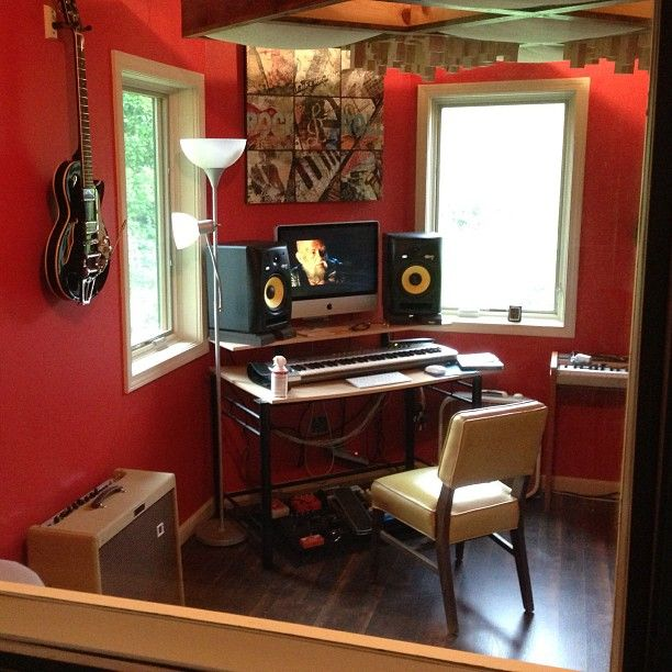 This is just about my perfect idea of an office/studio. Only thing I'd change is the desk. Really need a bit more space than that.