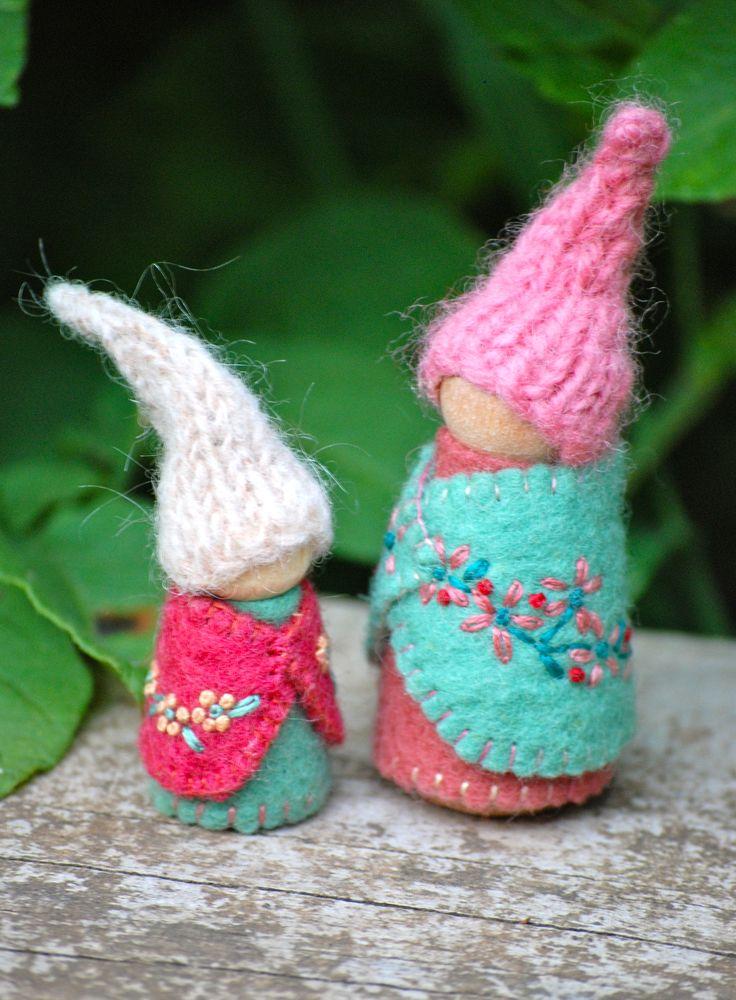 Woody & Purl Waldorf peg dolls