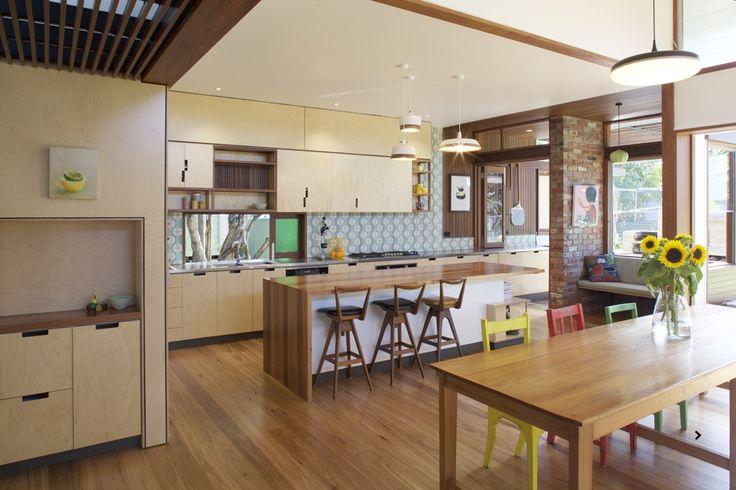 www.arcke.com.au. Bardon Garden House. Kitchen and dining. #arcke #brisbanearchitect #contemporaryarchitecture #plywood
