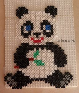 Pour réaliser ce modèle, il vous faut 2 grandes plaques carré Un clic sur l'image pour l'avoir en grande D'autres modèles de panda ici