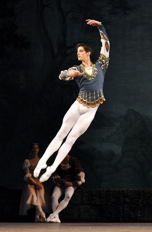 17 Best images about Male Dancers on Pinterest | Bolshoi ballet Ballet and Learn to dance