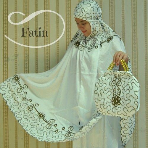 Mukena Cantik Fatin Putih, Mukena Velvet - Azkania | Yukbisnis